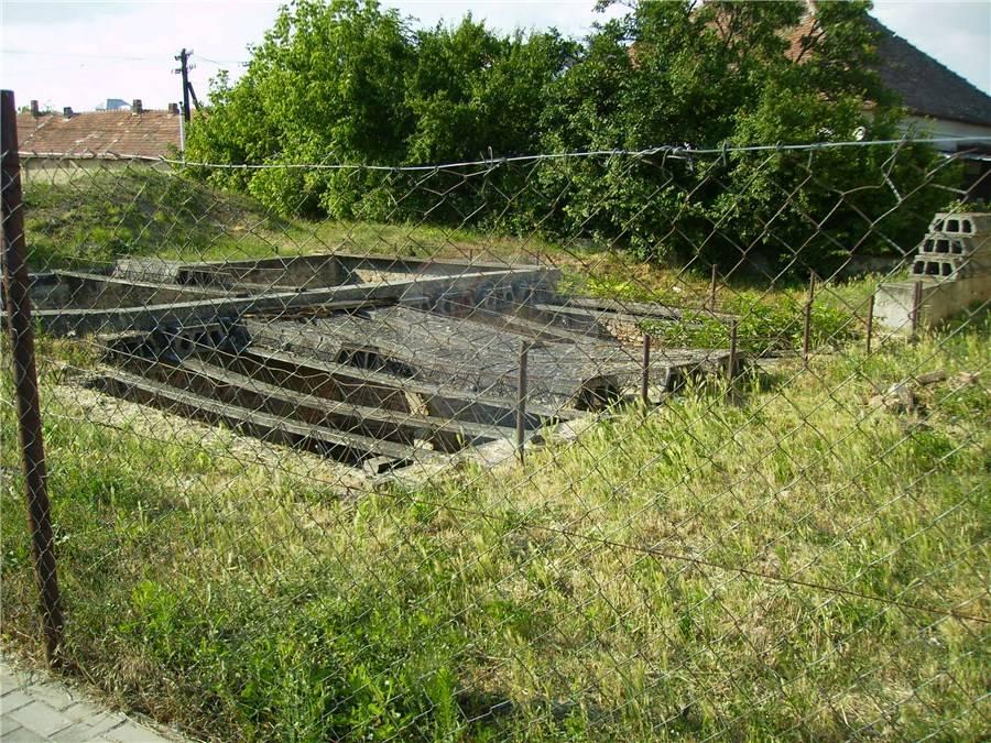 predaj stavebný pozemok Komjatice