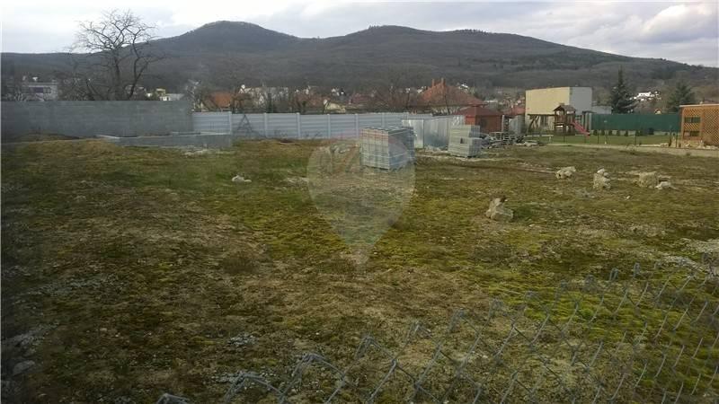 Predaj stavebný pozemok Nitra - 5km - REZERVOVANÝ.