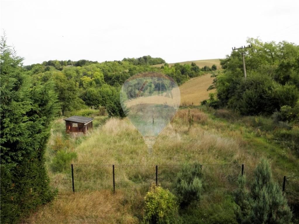 predaj stavebný pozemok Hlohovec