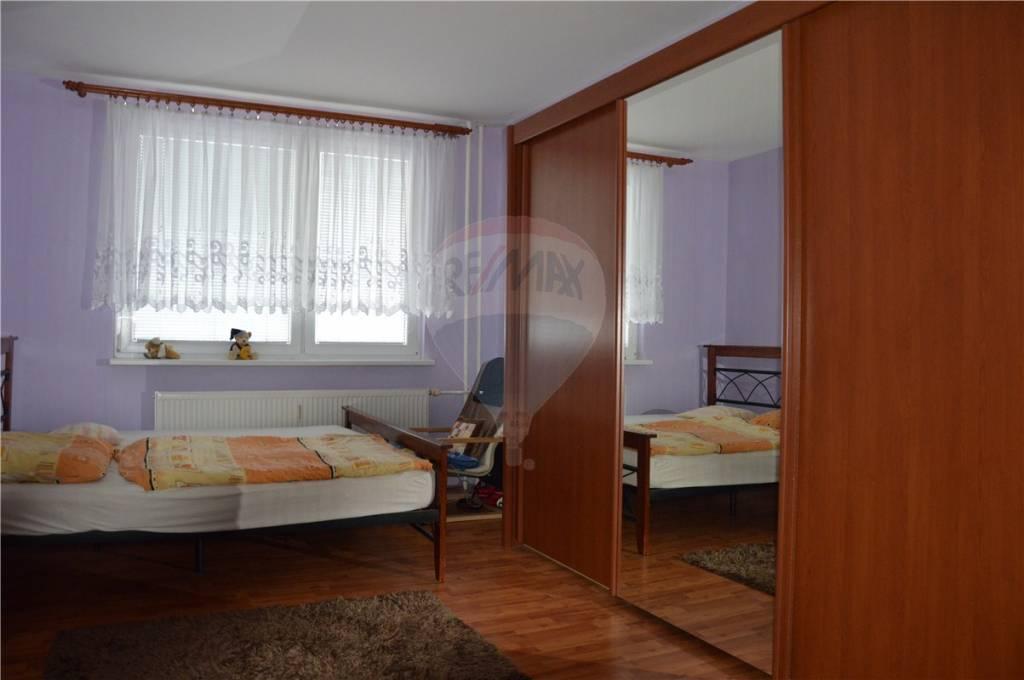 predaj 3 izbový byt Nitra, Bazovského