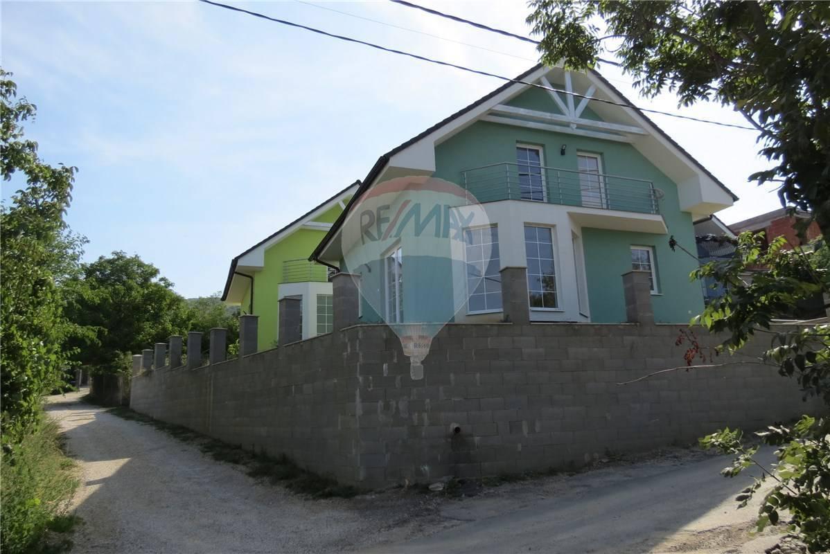 predaj rodinný dom Nitra, Poniklecová