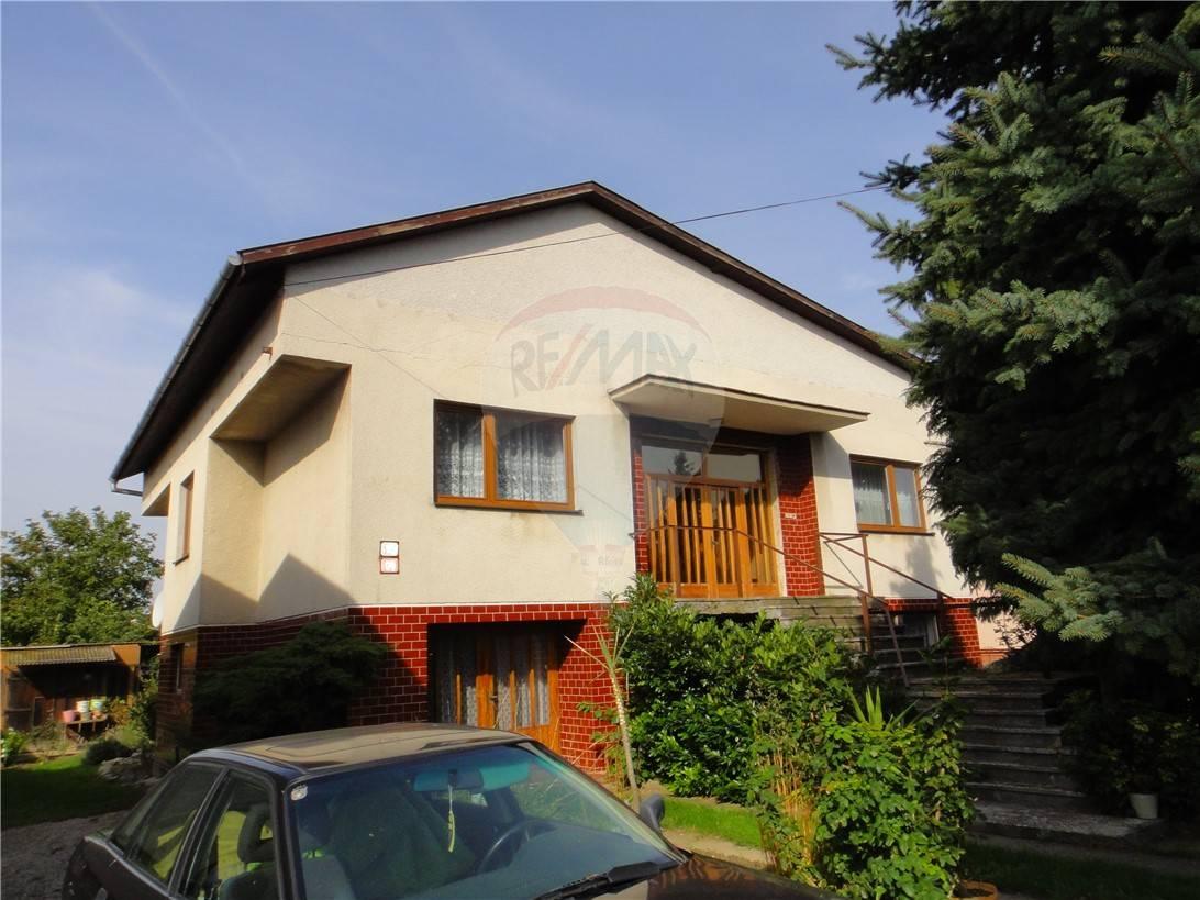 predaj rodinný dom Vráble, Hliníková