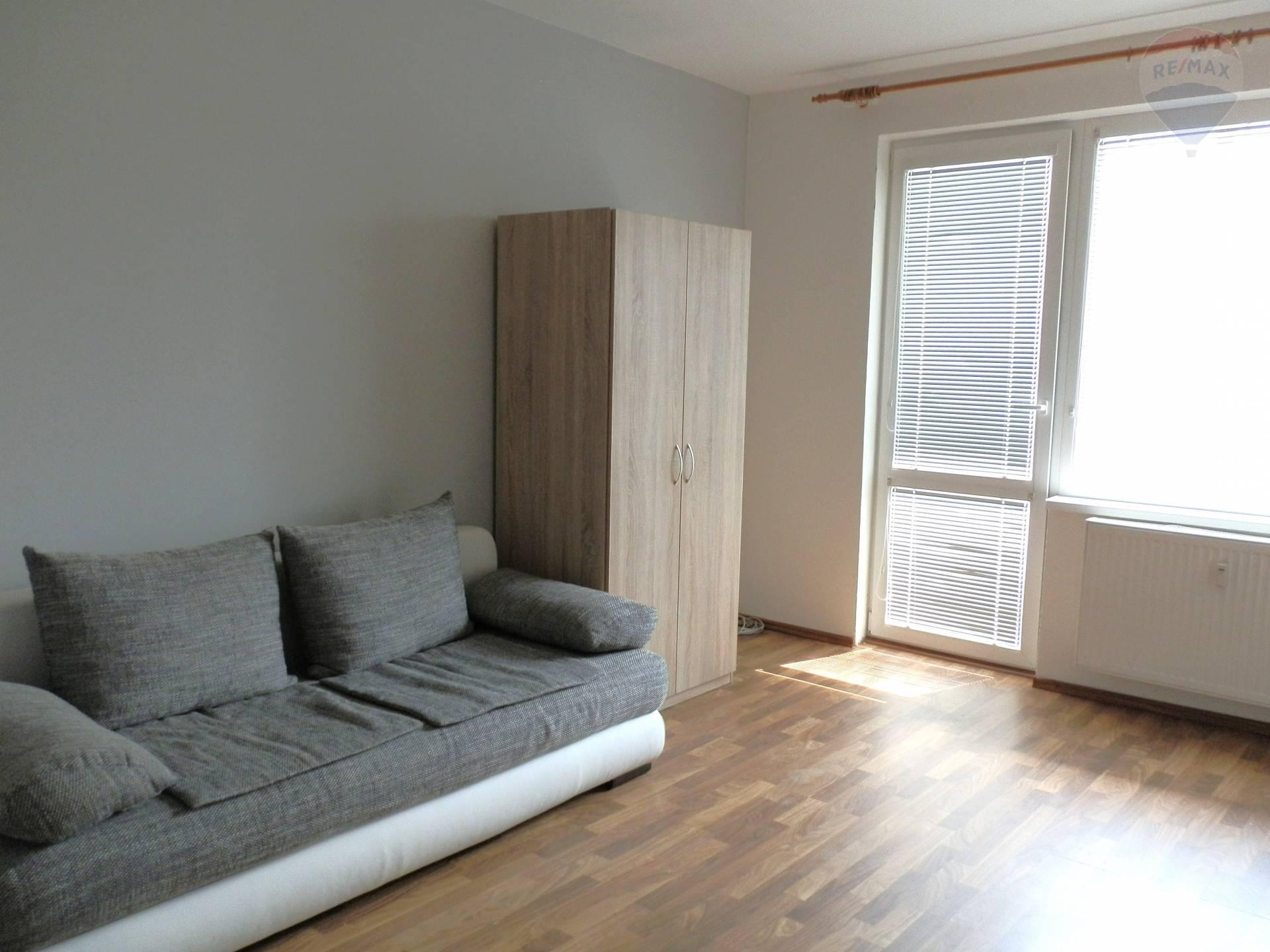 prenájom 1 izbový byt Nitra, Škultétyho