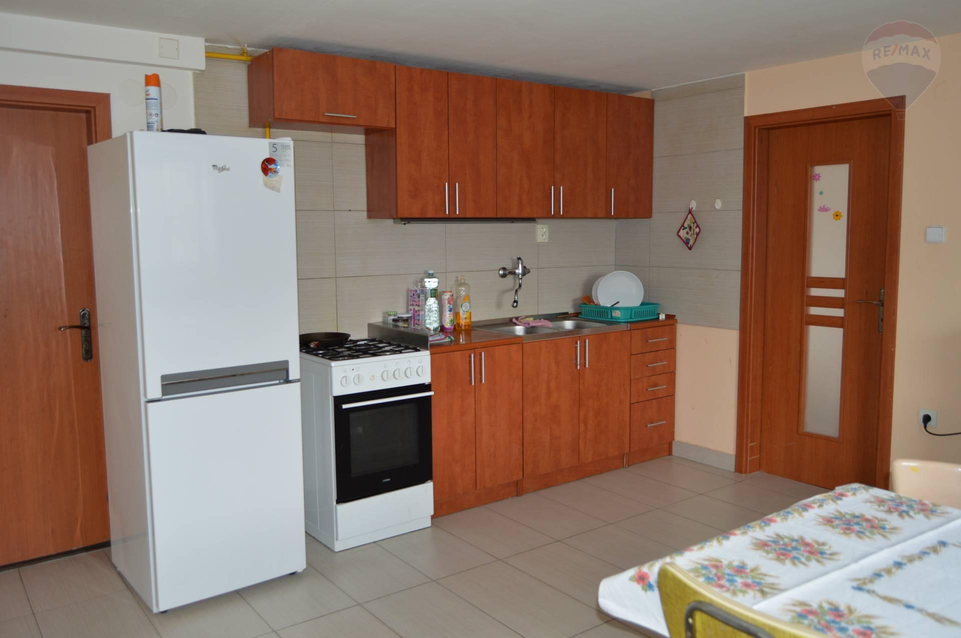 prenájom 3 izbový byt Nitra, Fialková