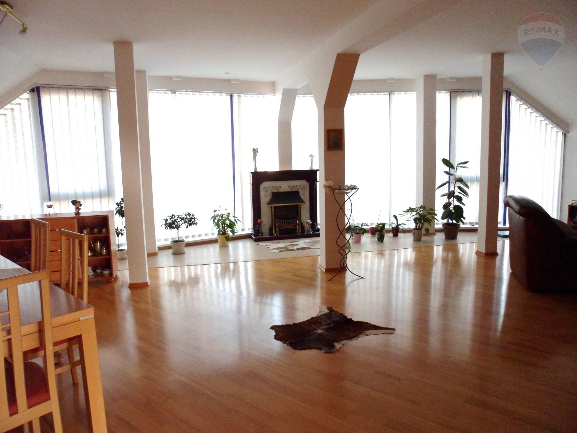 prenájom 2 izbový byt Nitra, Levická