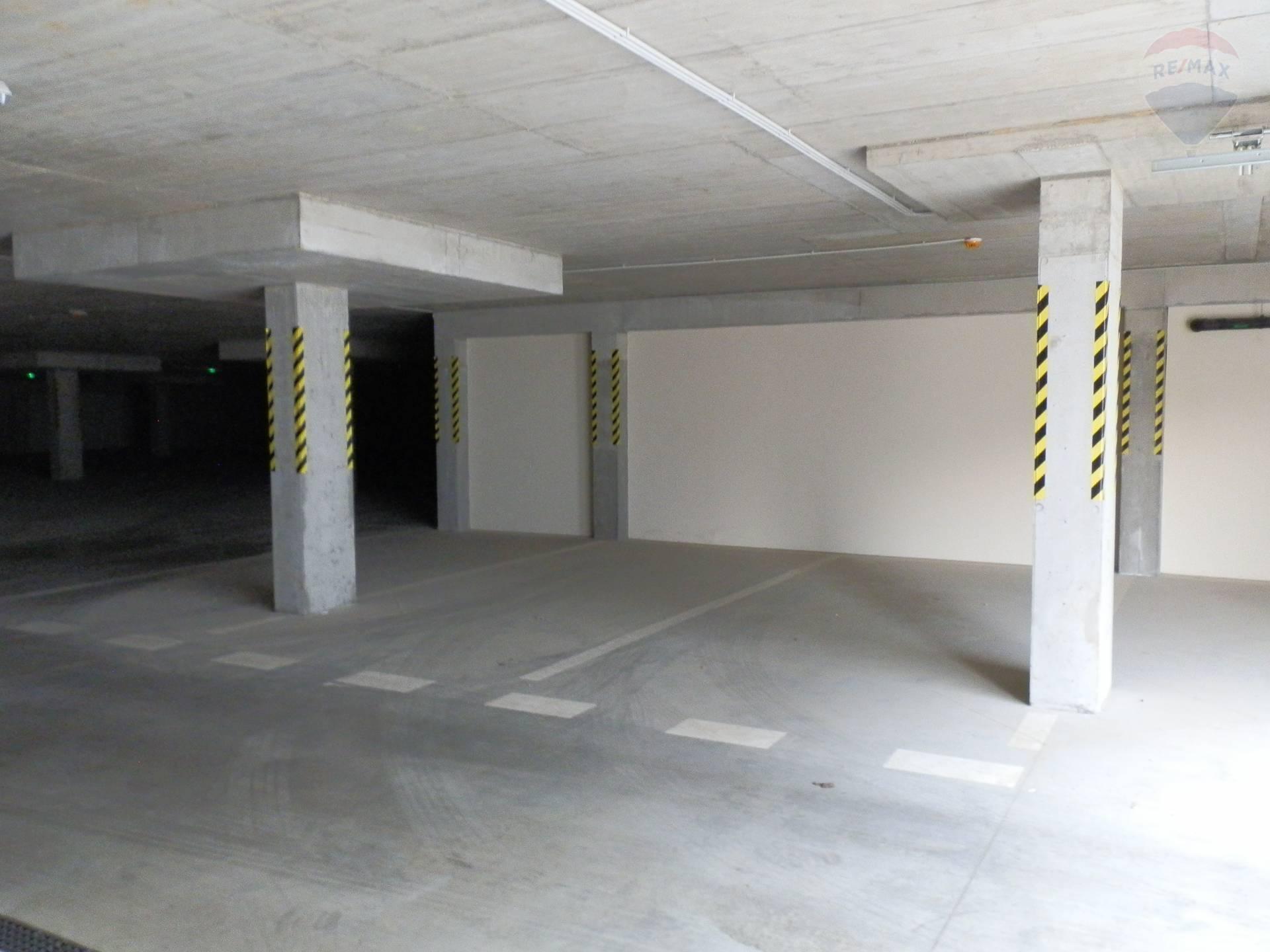 prenájom malý objekt, garáž Nitra, Rázusova
