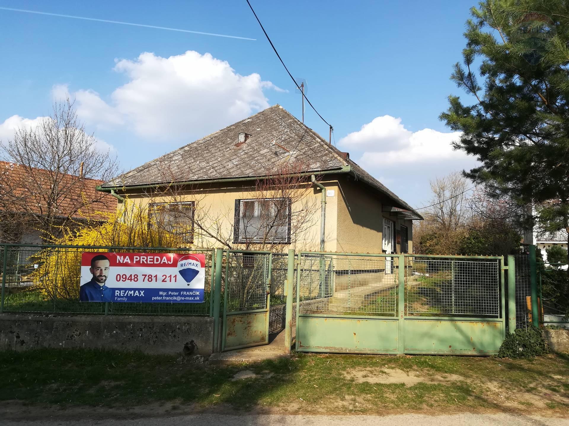 predaj rodinný dom Mojmírovce