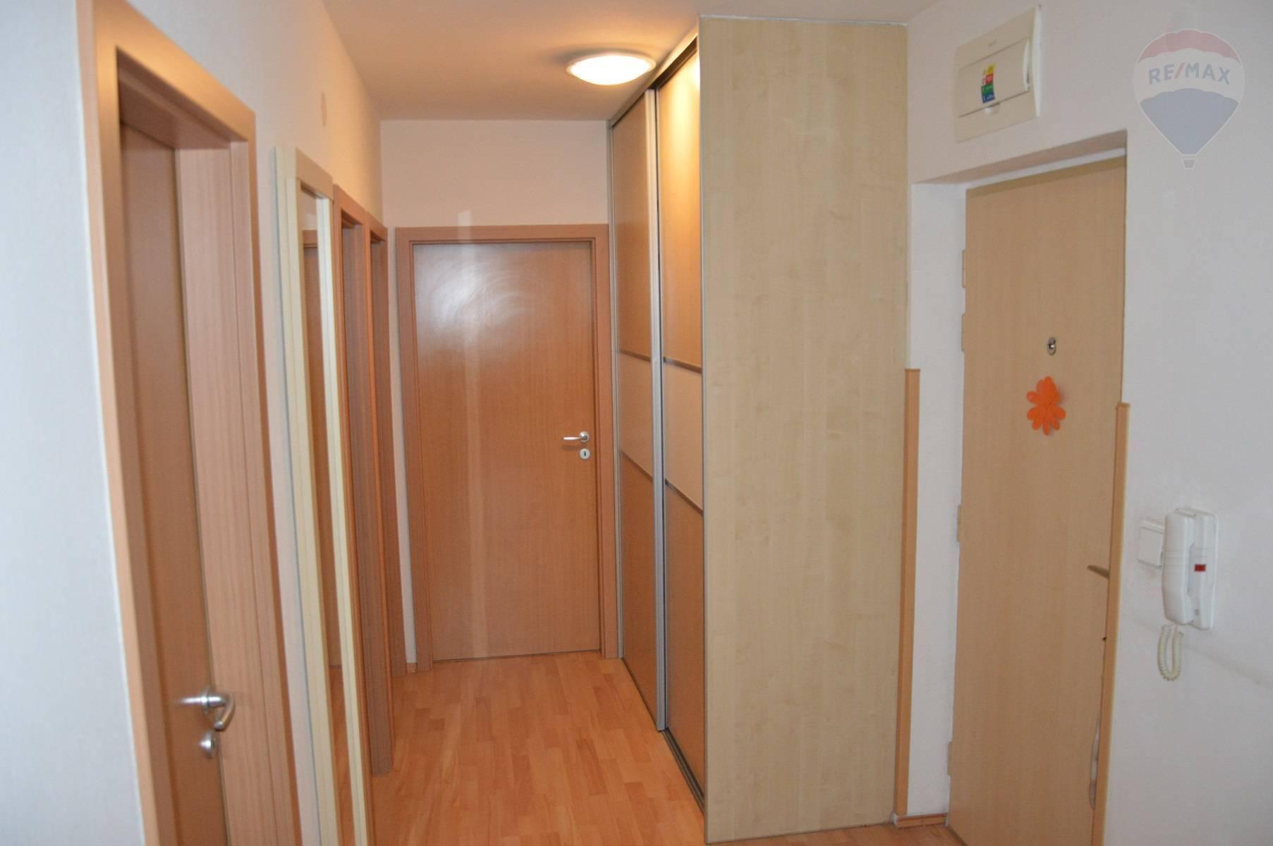 predaj 3 izbový byt Nitra, Južná