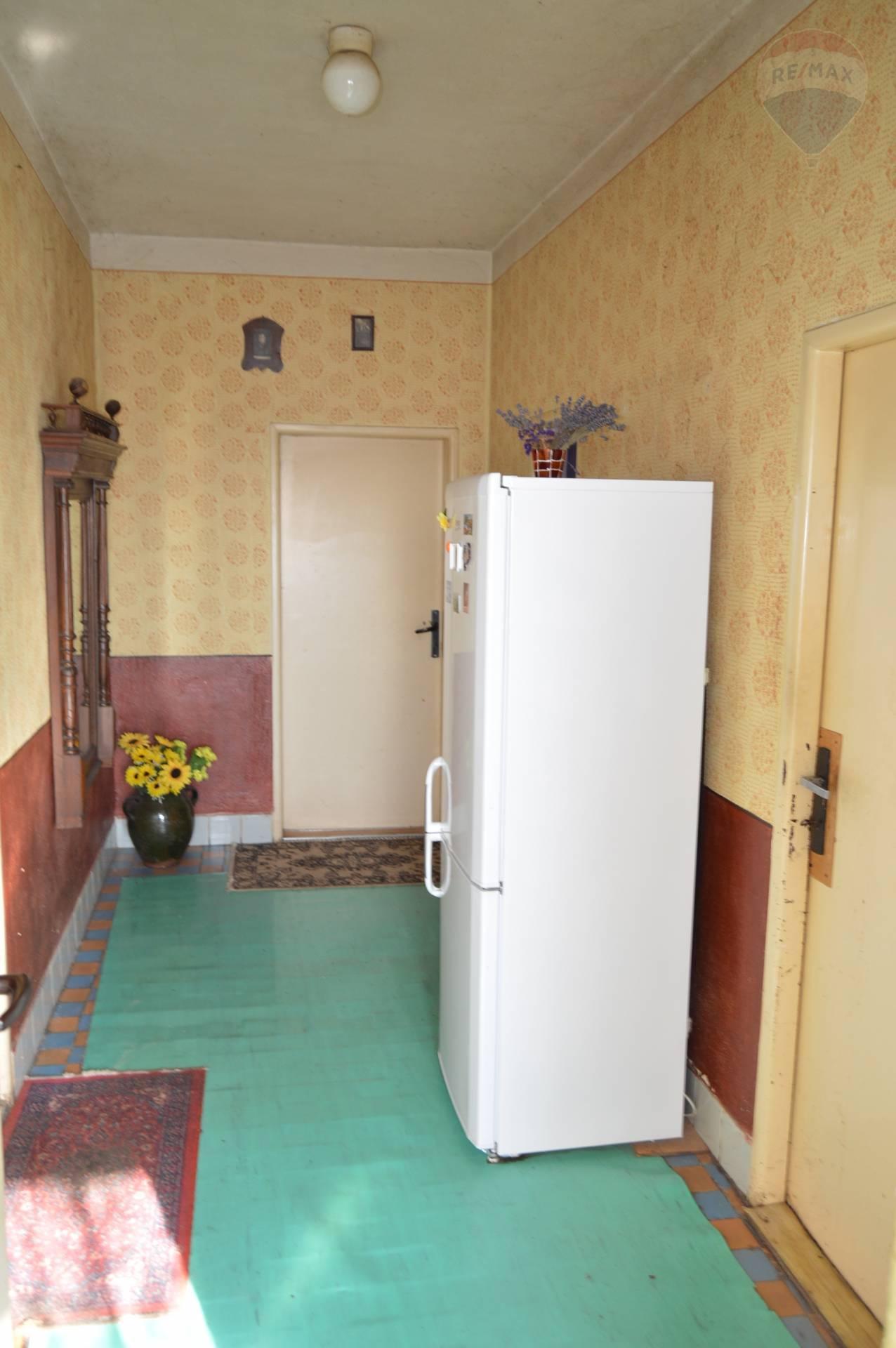 predaj rodinný dom Nitrianske Hrnčiarovce, Cintorínska