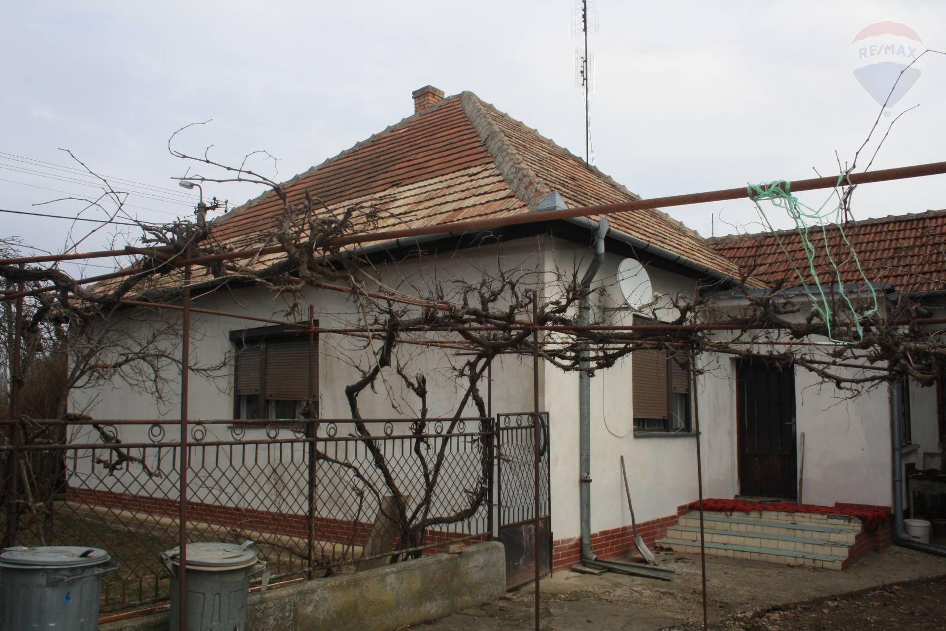 predaj rodinný dom Černík