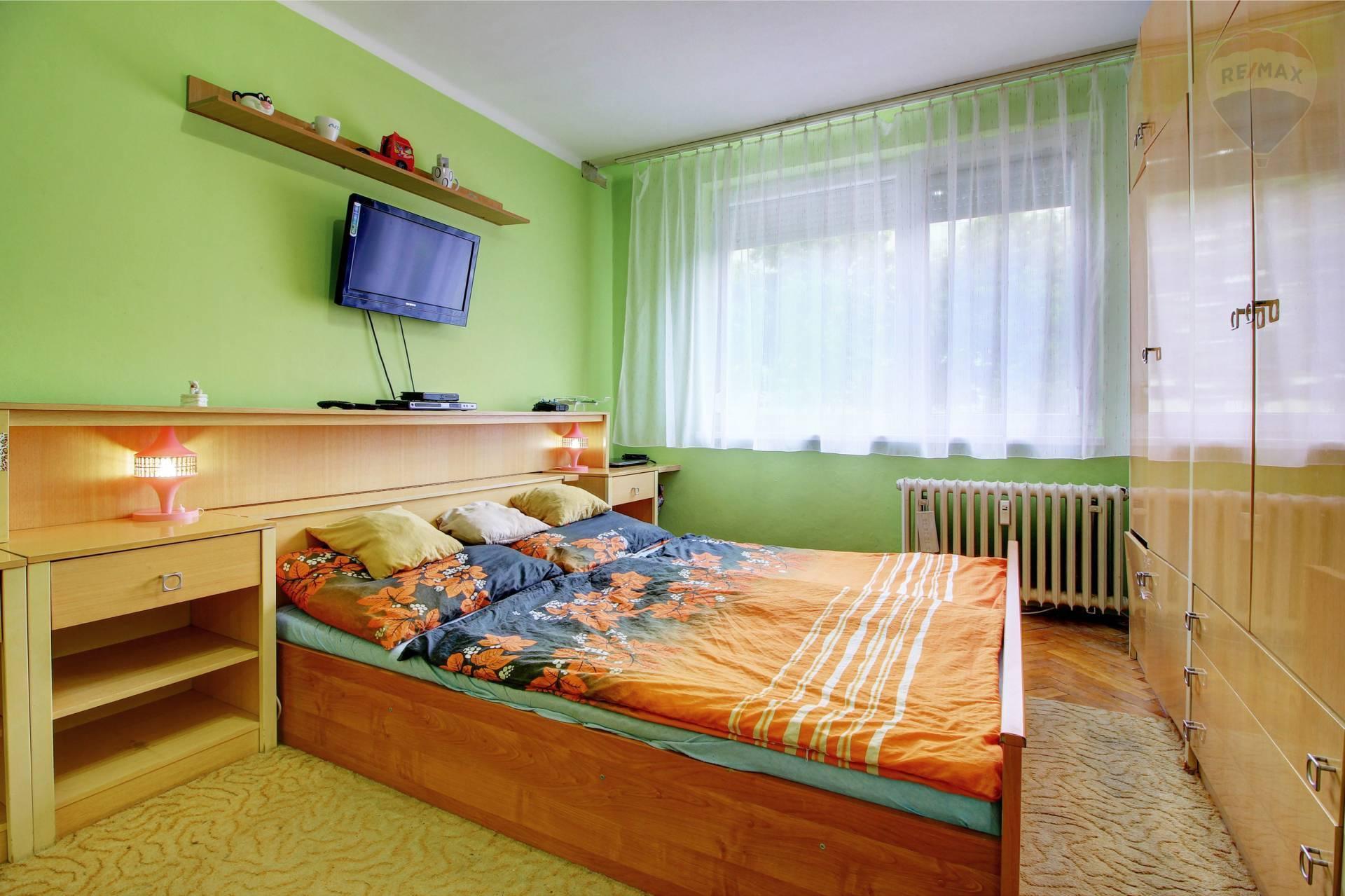 predaj 4 izbový byt Nové Zámky, Cyrilometodská