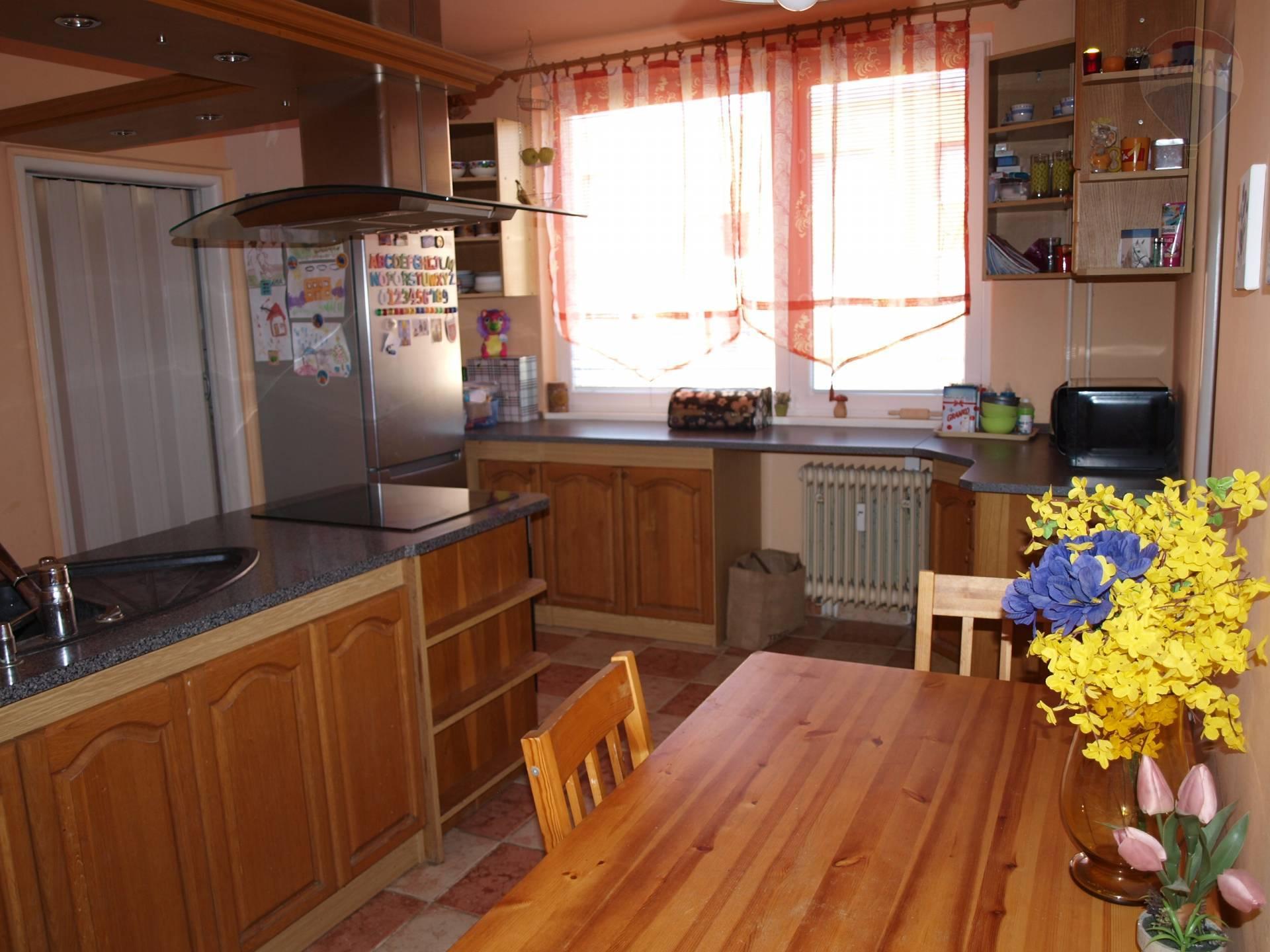 predaj 3 izbový byt Nové Zámky, SNP