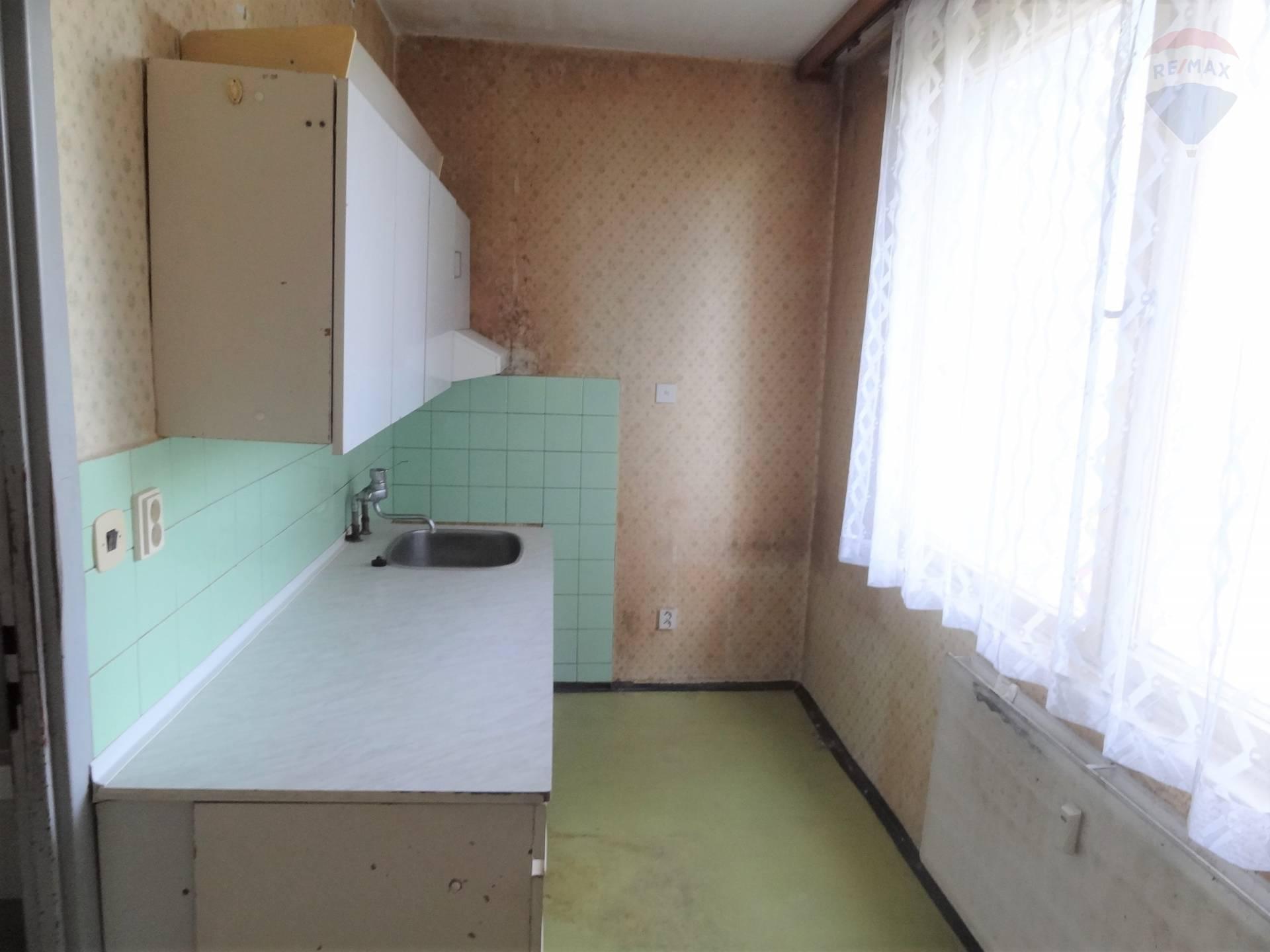 predaj 2 izbový byt Nitra, Jurkovičova