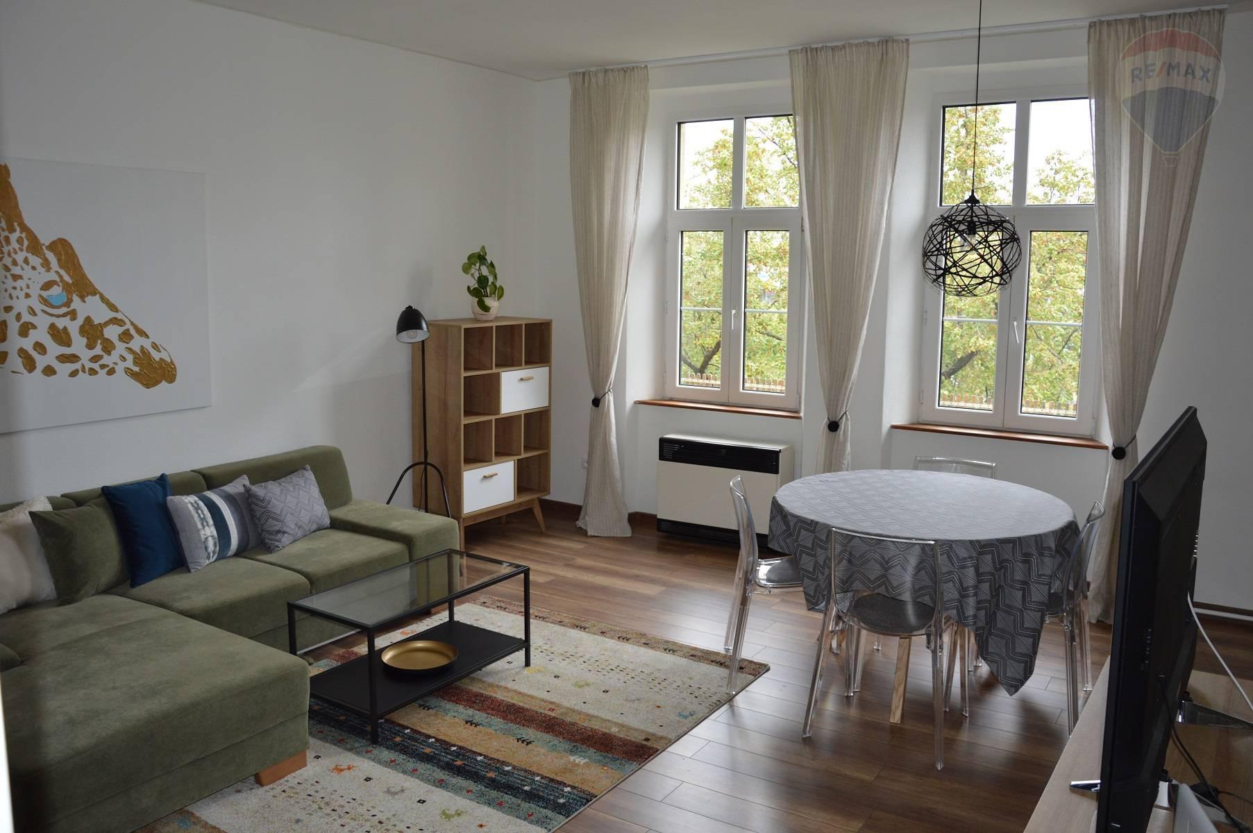 prenájom 2 izbový byt Nitra, Štúrova