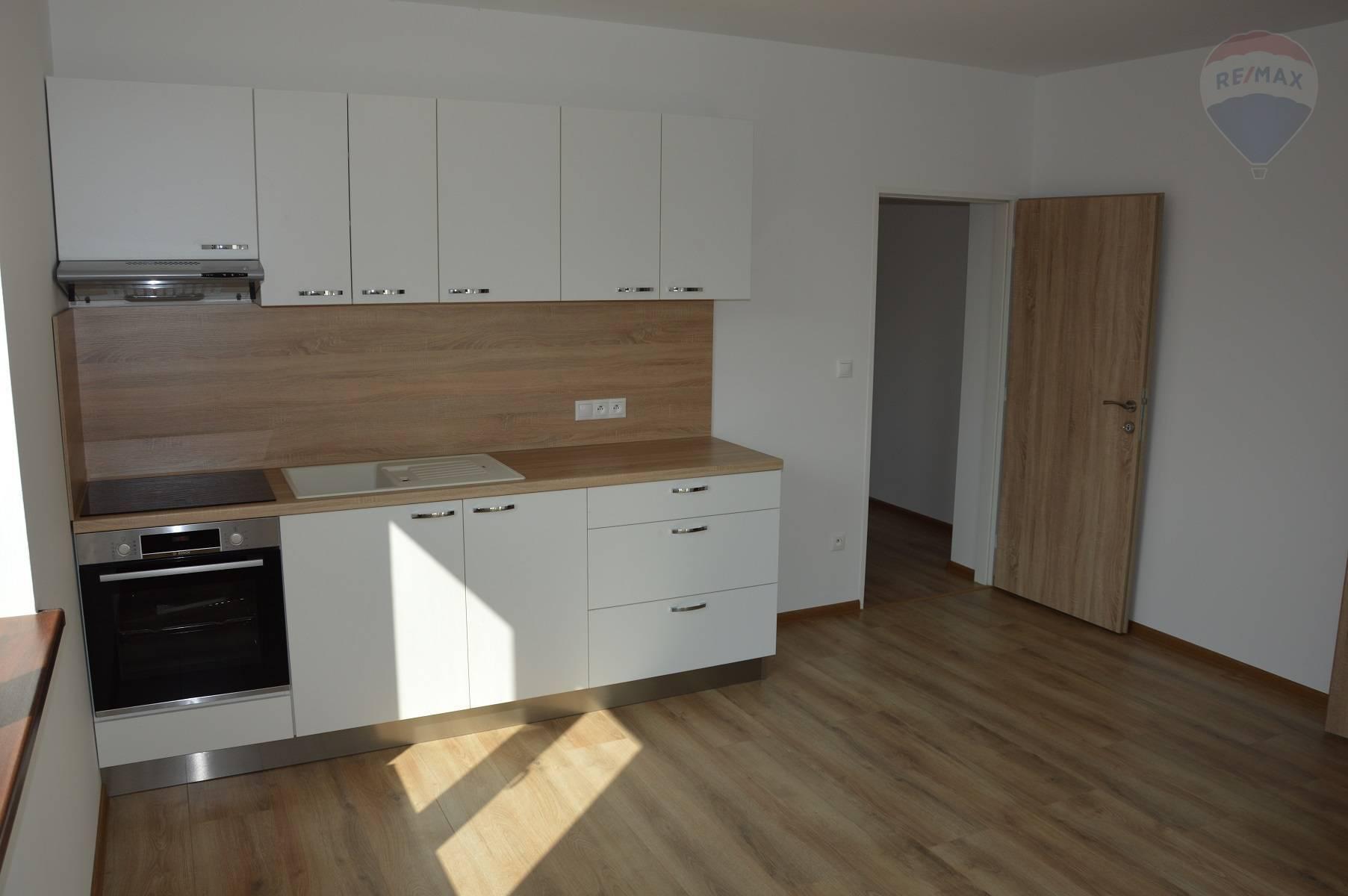 prenájom 1 izbový byt Nitra, Rybárska