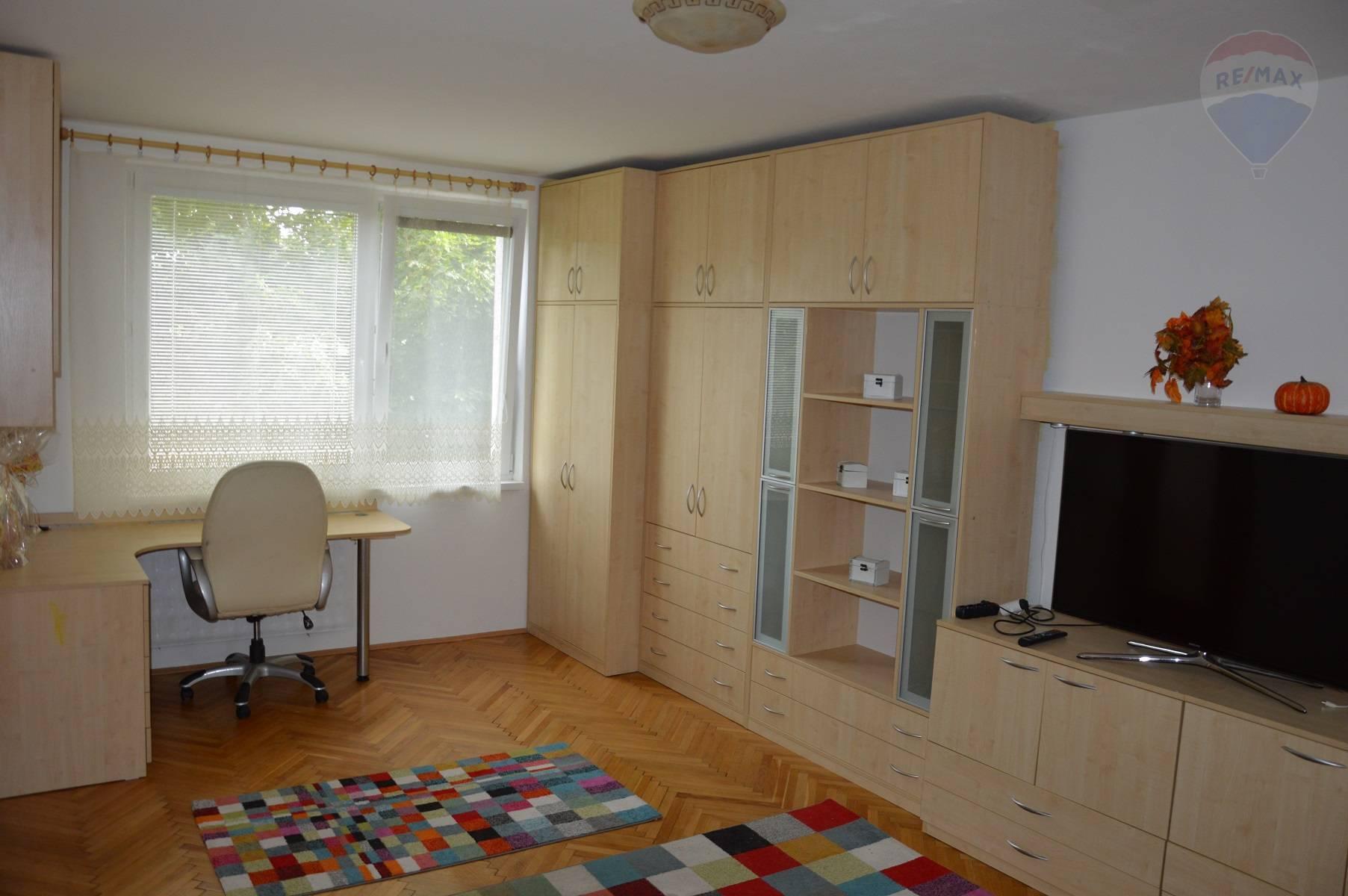 predaj 2 izbový byt Nitra, Za humnami