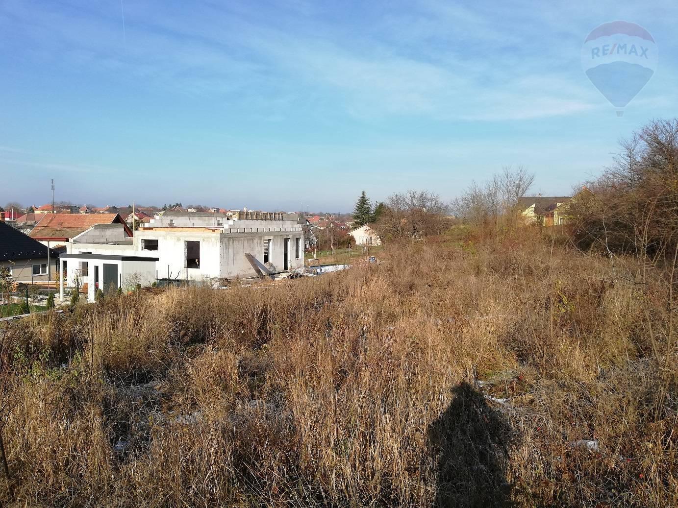predaj stavebný pozemok Báb