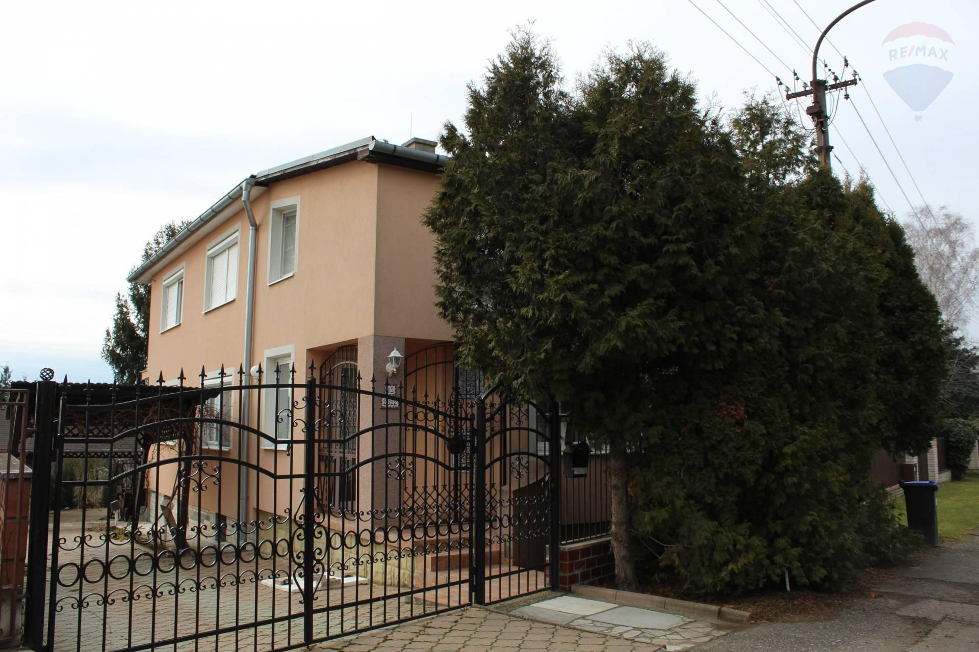 predaj rodinný dom Levice, Tatranská