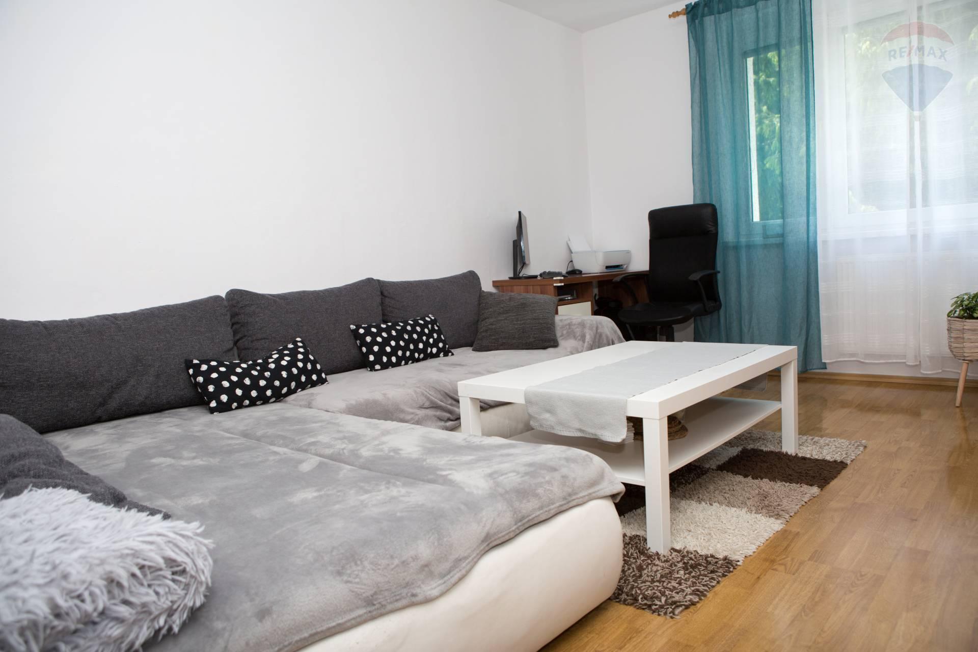 REZERVOVANÉ!! predaj 3 izbový byt Nitra, lodžia, Zvolenská EXKLUZÍVNE