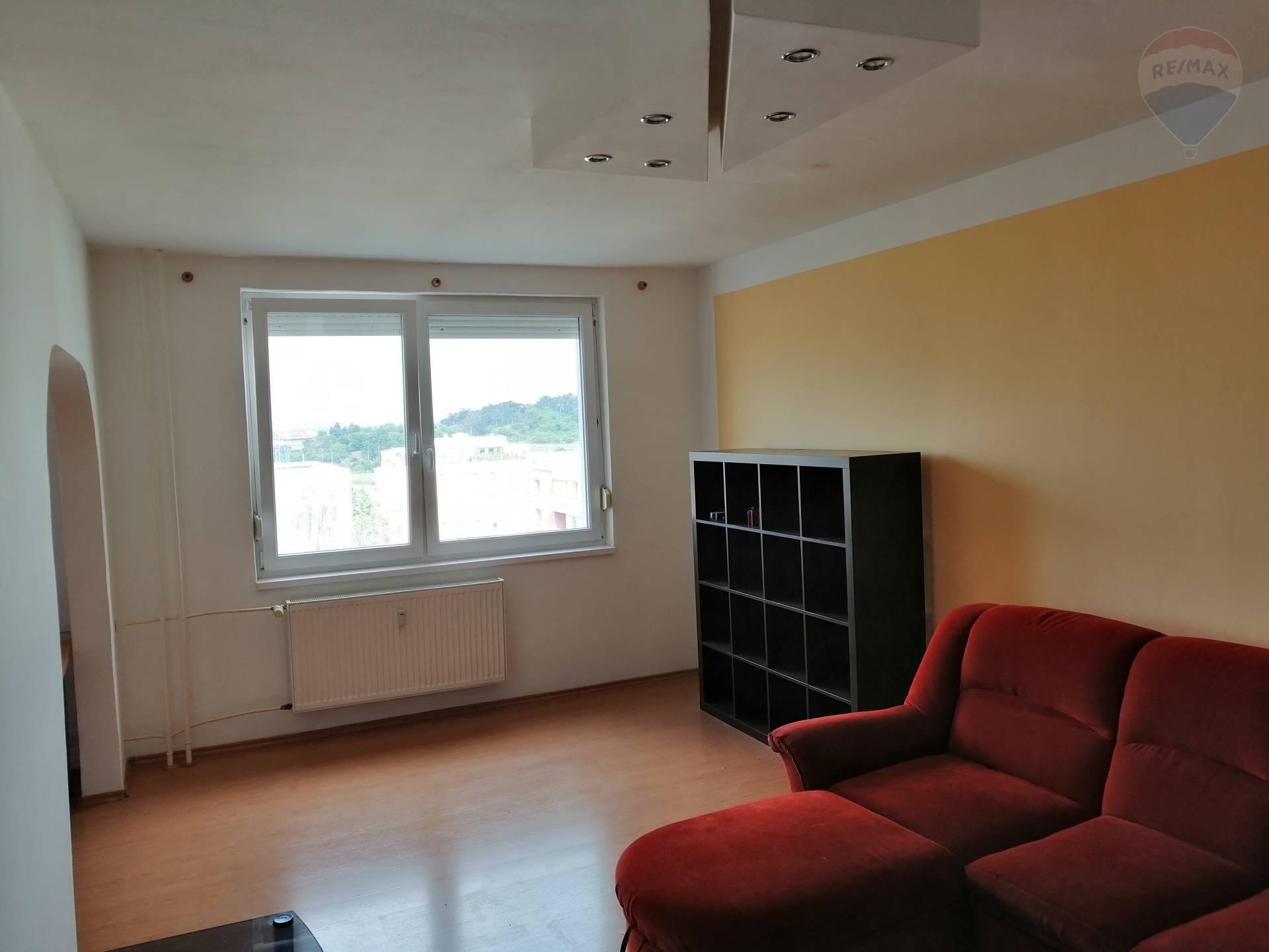 prenájom 2 izbový byt Nitra, Hlboká