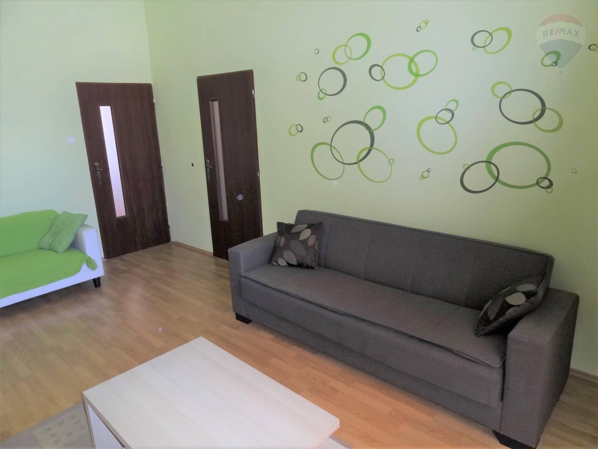 prenájom 2 izbový byt Nitra, Farská