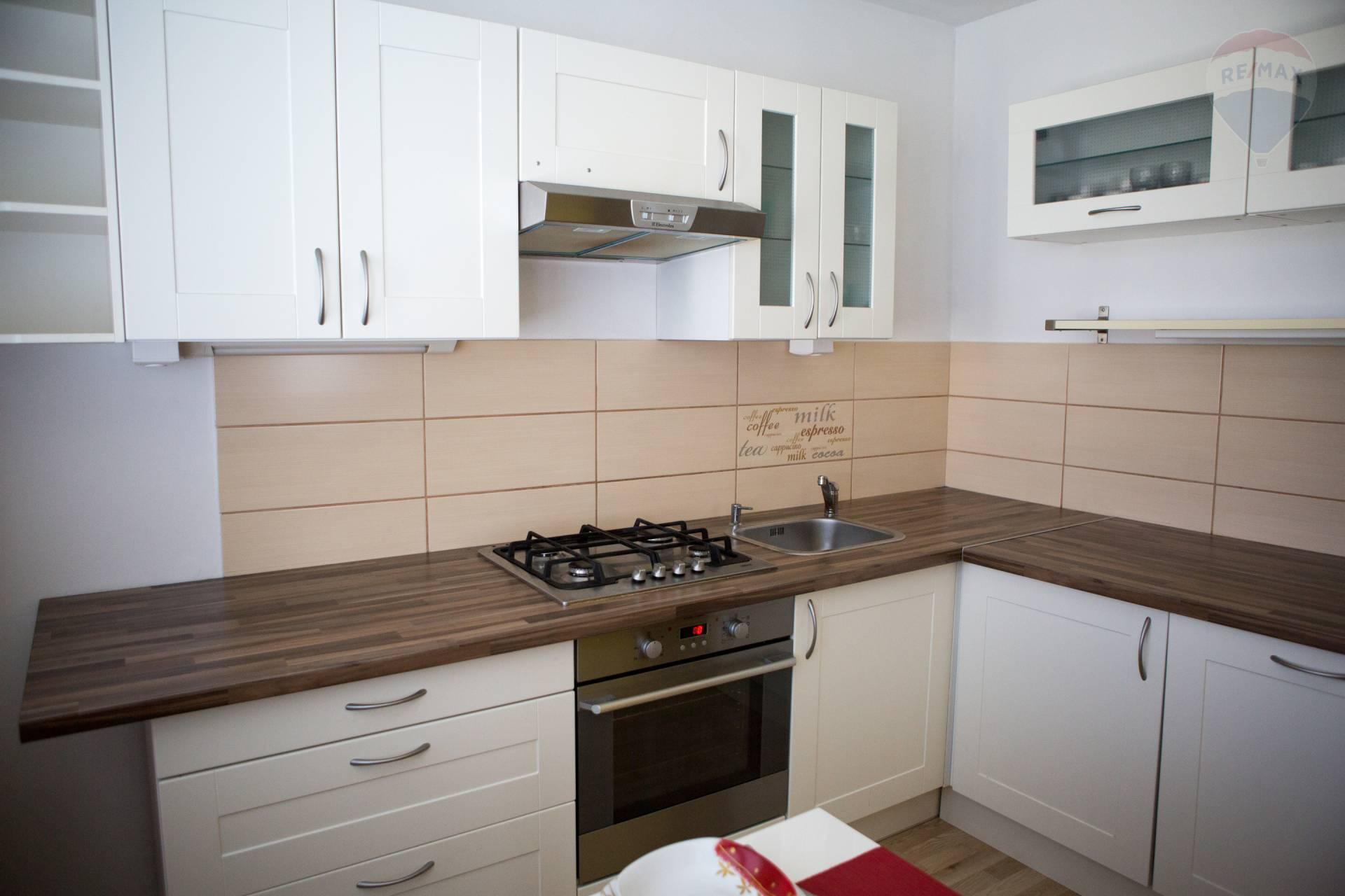 predaj 3 izbový byt Nitra, Tribečská