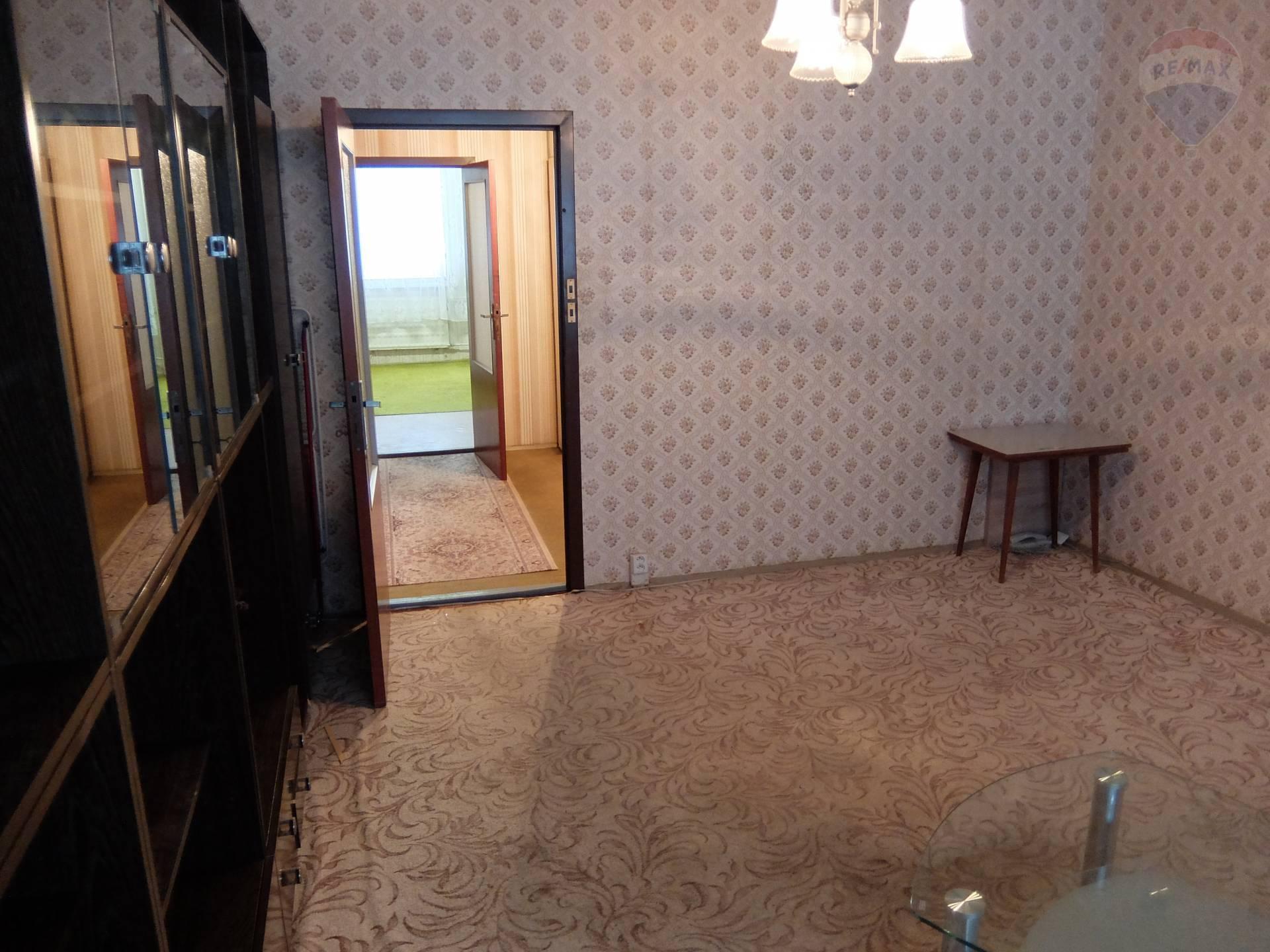 predaj 1 izbový byt Nitra, Petzwalova