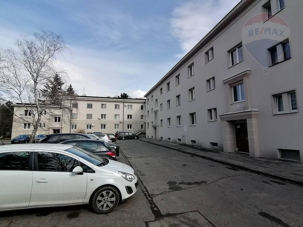 prenájom 2 izbový byt Nitra, Parkové nábrežie