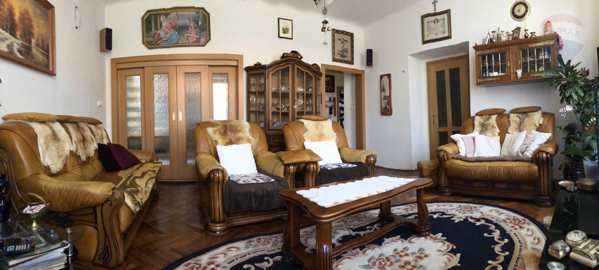 predaj 4 izbový byt Nitra, Krátka