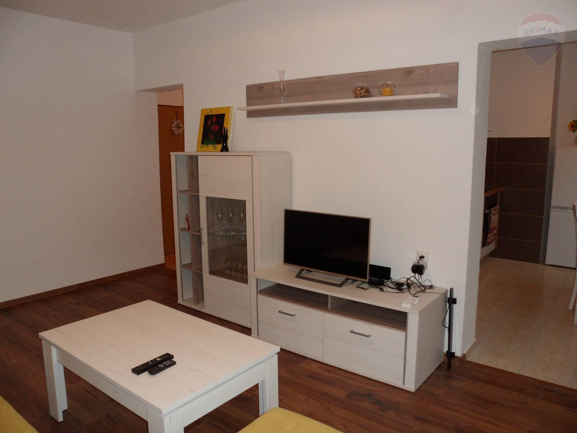 prenájom 2 izbový byt Nitra, Tehelná