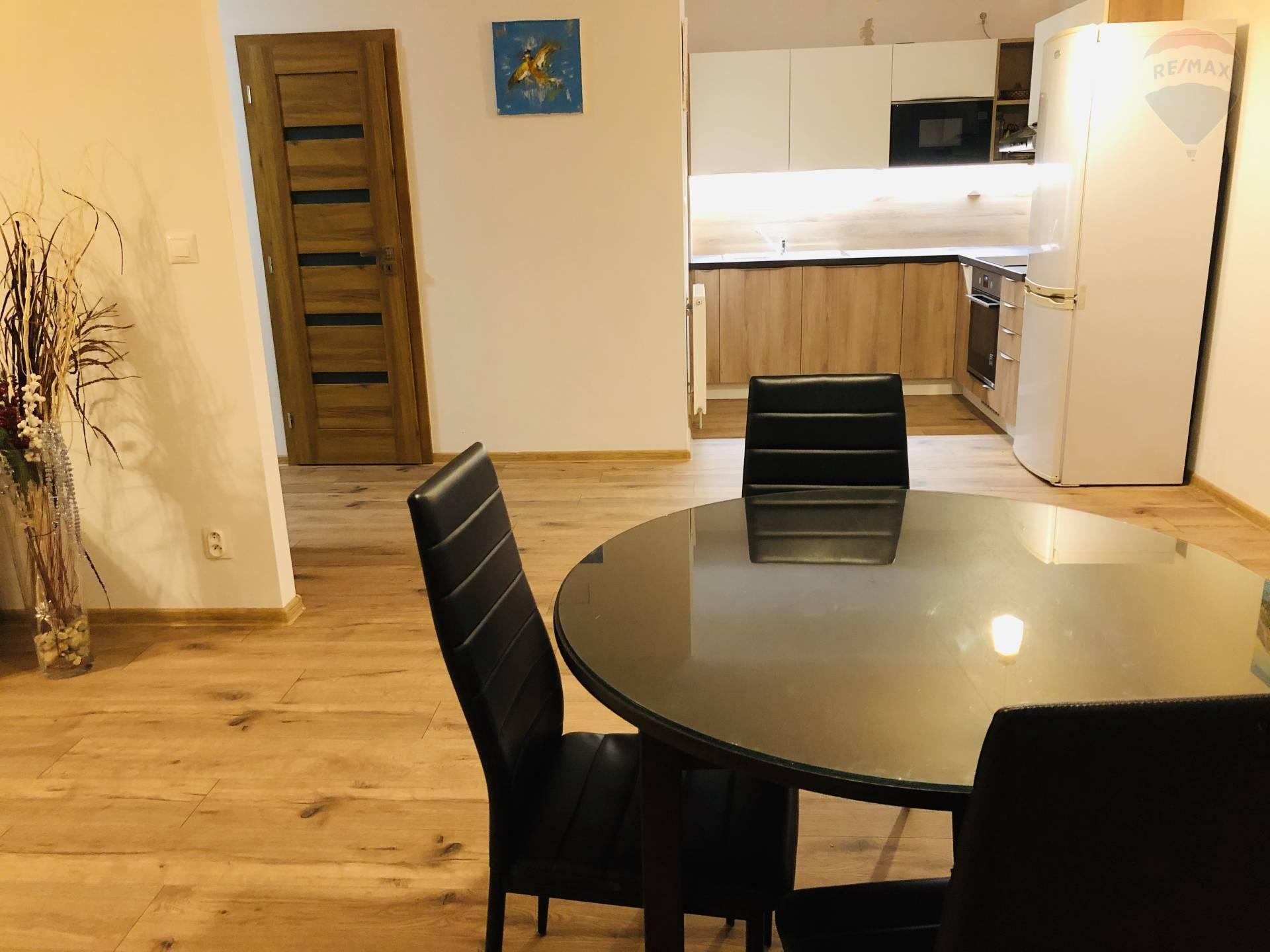 prenájom 2 izbový byt Nitra, Lomnická