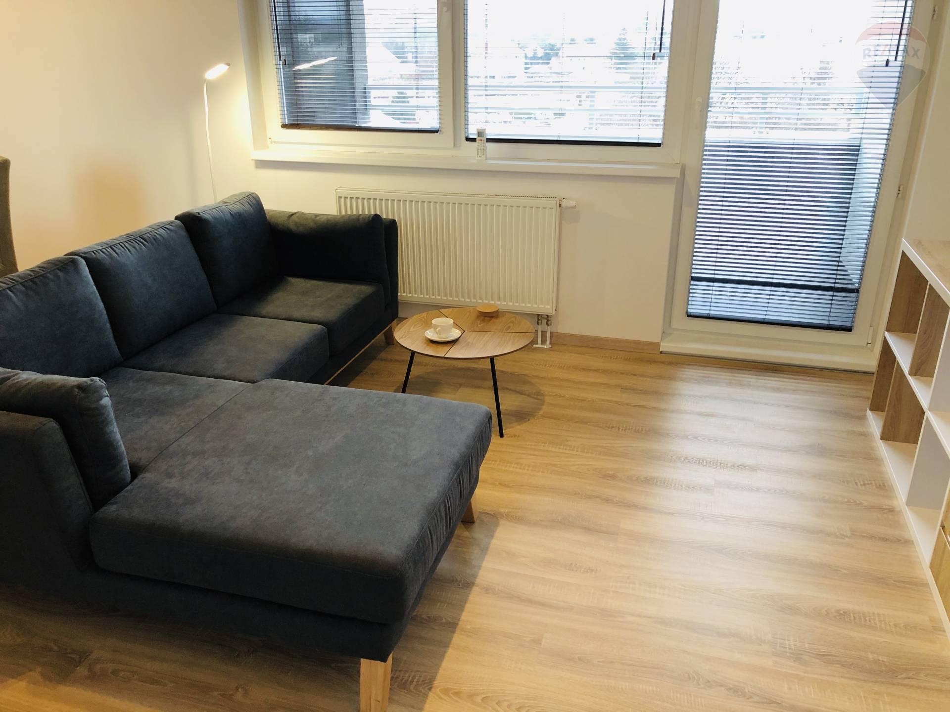 prenájom 3 izbový byt Nitra, Lomnická