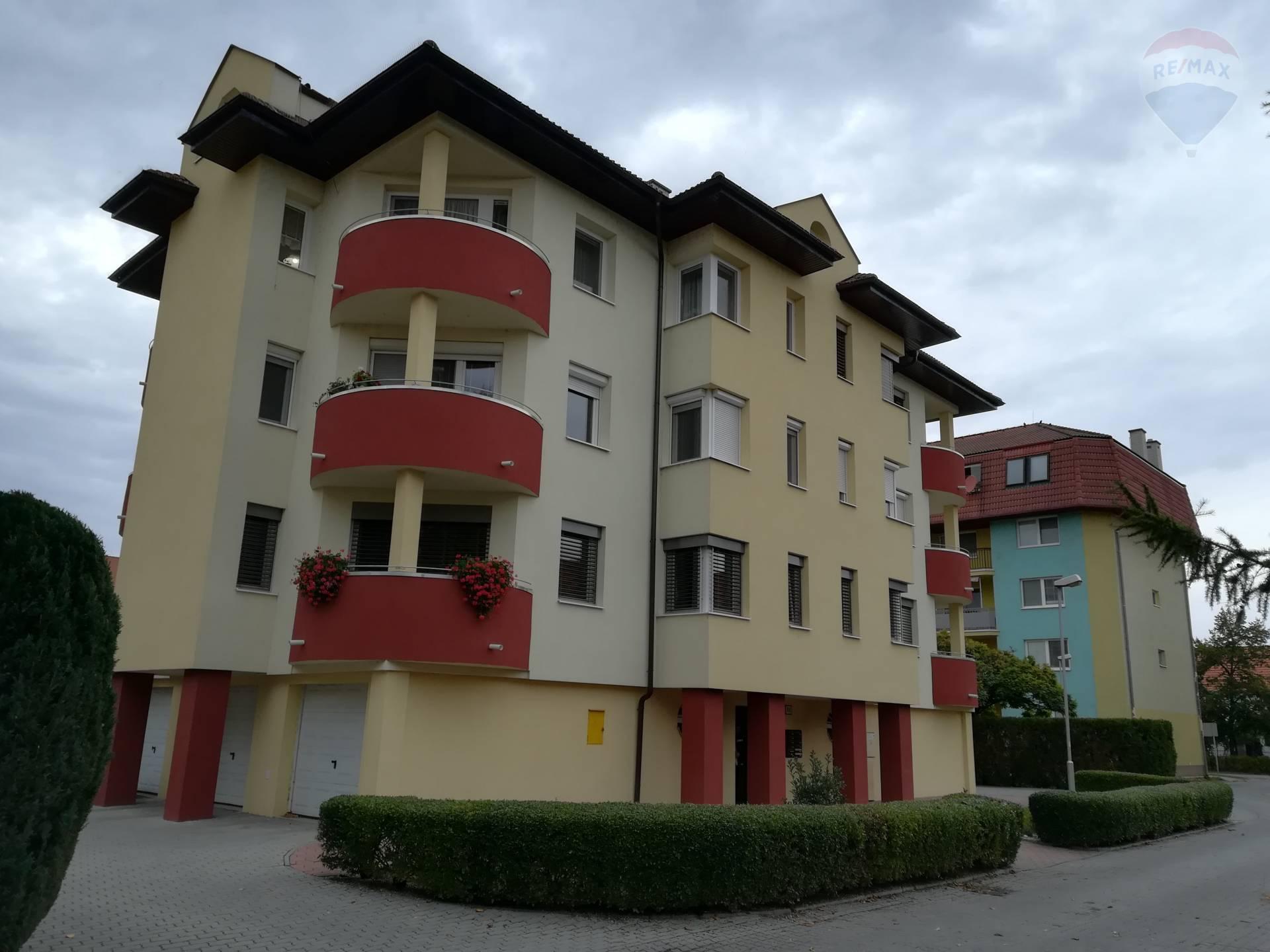 predaj 2 izbový byt Nové Zámky, Andovská