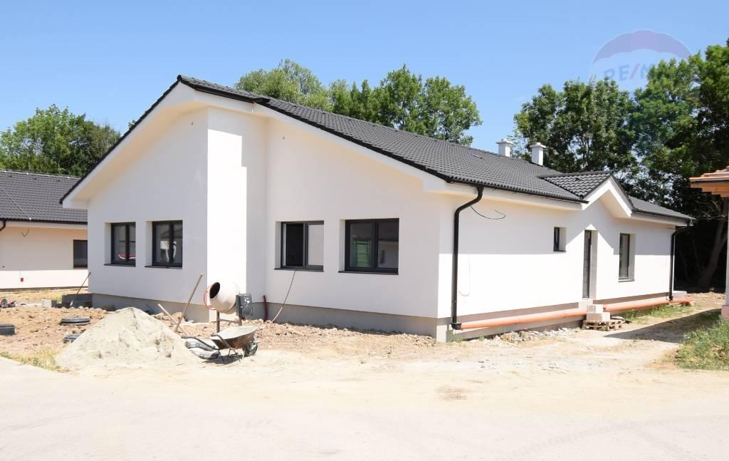predaj rodinný dom Podhorany