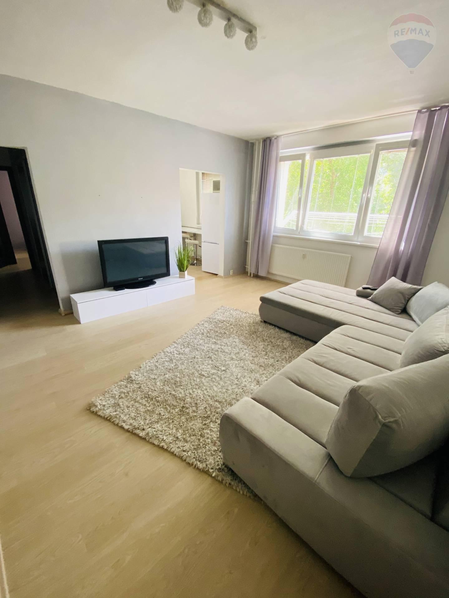 predaj 2 izbový byt Nitra, Dunajská